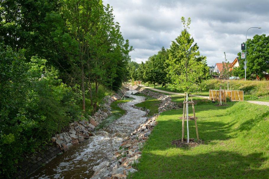Znovuoživení Rakovského potoka vRokycanech